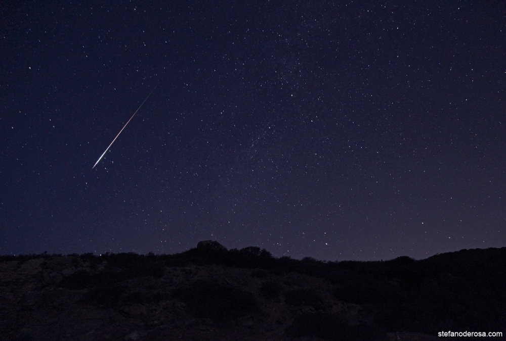 A bright Perseid meteor seen by astrophotographer Stefano De Rosa this morning (August 12) on the island of Isola D'Elba in Italy.